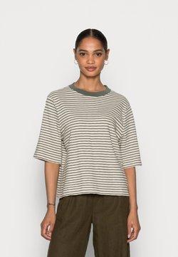 Marc O'Polo - SLEEVE STRIPPED - T-Shirt print - multi