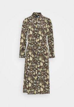 Club Monaco - SHIRRED FRONT DRESS - Vestido camisero - brown