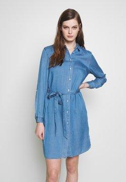 Vila - VIBISTA BELT DRESS - Vestido camisero - medium blue denim/clean wash