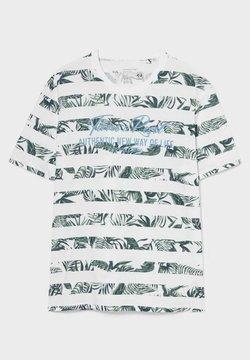 C&A - T-Shirt print - white/green