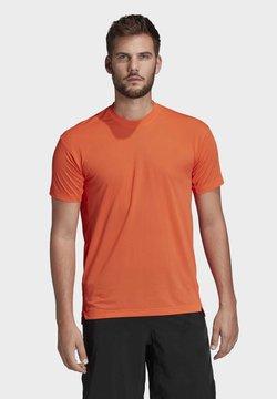 adidas Performance - TERREX AGRAVIC TRAIL RUNNING T-SHIRT - Camiseta estampada - orange