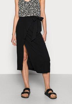 Selected Femme - MINORA WRAP SKIRT - Jupe portefeuille - black