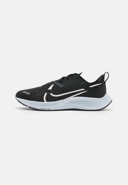 Nike Performance - AIR ZM PEGASUS SHIELD - Löparskor stabilitet - black/white/pure platinum/reflect silver/metallic silver