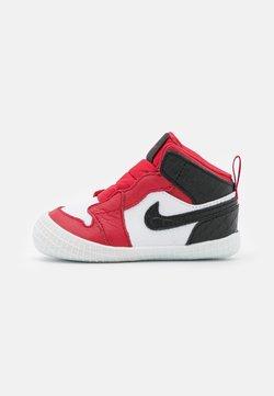Jordan - 1 CRIB UNISEX - Chaussures de basket - university red/black/white