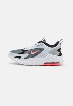 Nike Sportswear - AIR MAX BOLT UNISEX - Sneakersy niskie - smoke grey/metallic silver/football grey