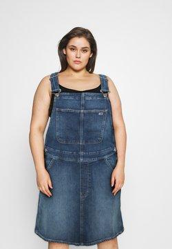 Tommy Jeans Curve - DUNGAREE DRESS  - Jeanskleid - blue denim