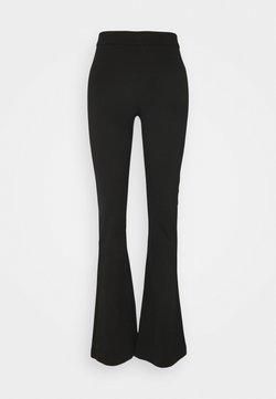 Vero Moda Tall - VMKAMMA FLARED PANT - Broek - black