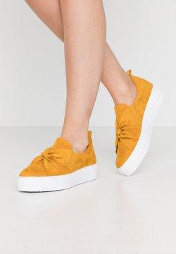 Tamaris - Slip-ins - saffron