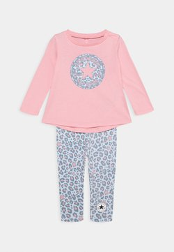 Converse - LEOPARD SET - Leggings - Hosen - coastal pink