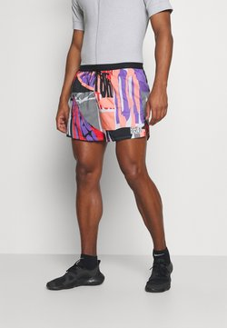 Nike Performance - STRIDE SHORT - Pantalón corto de deporte - bright mango