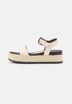 Marc O'Polo - ILARIA  - Korkeakorkoiset sandaalit - offwhite