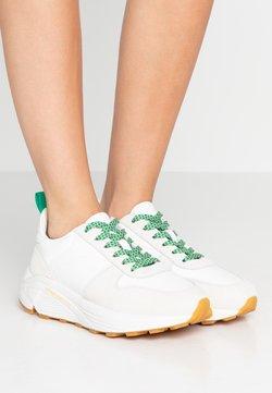 CLOSED - HONEY - Sneaker low - white