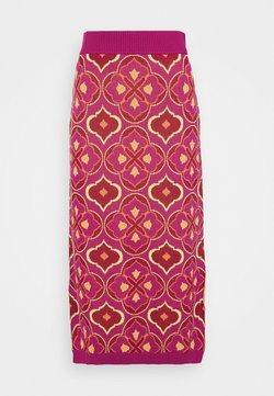 Never Fully Dressed Petite - JASMINE MIDI SKIRT - Falda de tubo - pink