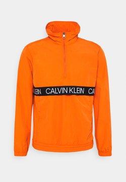 Calvin Klein Performance - WINDJACKET - Verryttelytakki - orange