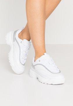 Guess - KAYSIE5 - Sneakersy niskie - white