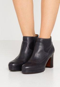 Chie Mihara - AMEBA - Ankle Boot - barna navy