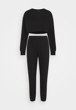 Missguided Petite - CROP JOGGER COORD SET - Jogginghose - black