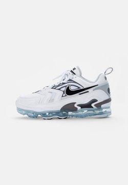 Nike Sportswear - AIR VAPORMAX EVO - Sneakers basse - white/black-wolf grey-dark grey-pure platinum-reflect silver