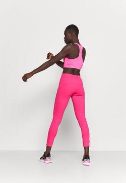 Ellesse - CANA - Jogginghose - neon pink
