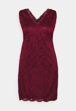Vero Moda Curve - VMJANNE DRESS - Etuikleid - cabernet