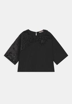 N°21 - MAGLIETTA - T-shirt z nadrukiem - black