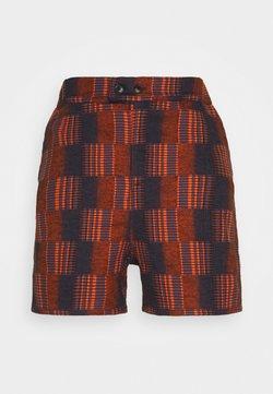 Henrik Vibskov - SPYJAMA - Shorts - dark orange