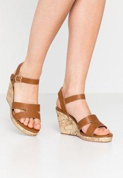 New Look Wide Fit - WIDE FIT POSSUM WEDGE - Sandales à talons hauts - tan