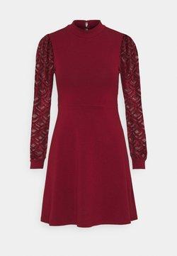 ONLY Petite - ONLMILLE LIFE MIX DRESS - Robe en jersey - pomegranate