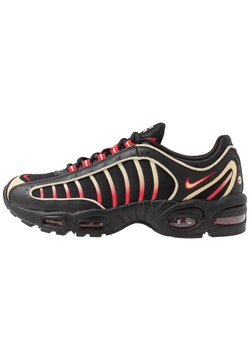 Nike Sportswear - AIR MAX TAILWIND IV - Sneakersy niskie - black/team gold/universe red