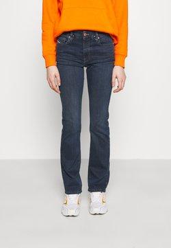 Diesel - D-SLANDY-B - Jeans Straight Leg - indigo