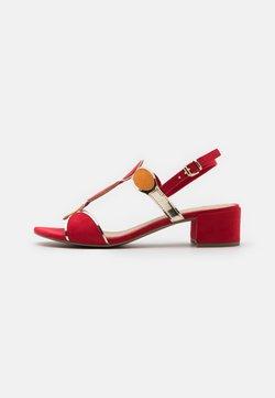 Marco Tozzi - Sandaalit nilkkaremmillä - red