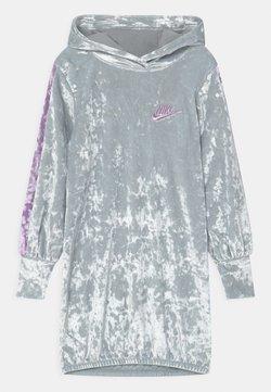 Nike Sportswear - HOOD - Freizeitkleid - silver