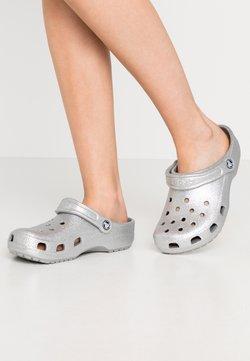 Crocs - CLASSIC GLITTER  - Matalakantaiset pistokkaat - silver