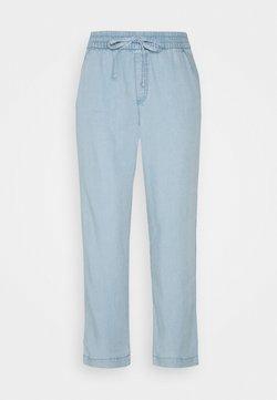GAP - EASY PANT - Spodnie materiałowe - light indigo