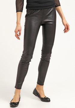 MICHAEL Michael Kors - Pantalon en cuir - black