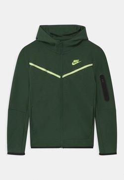 Nike Sportswear - Kofta - galactic jade/light liquid lime