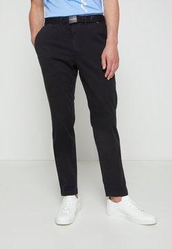 Calvin Klein - SLIM FIT GARMENT DYE BELT - Chinot - black