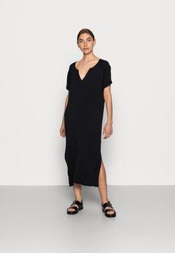 JUST FEMALE - FAVE DRESS - Gebreide jurk - black
