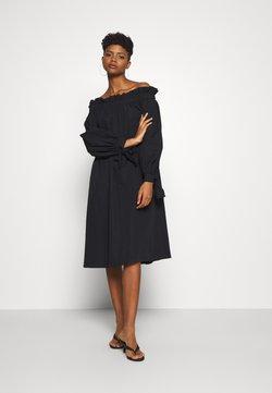 Gina Tricot - KAMILA OFFSHOULDER DRESS - Freizeitkleid - black