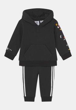 adidas Originals - DISNEY CHARACTERS HOODIE SET - Chándal - black
