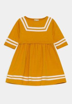 Mainio - SAILOR DRESS - Jerseykleid - beeswax