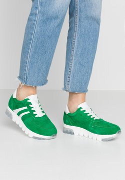 Tamaris - LACE-UP - Sneakers laag - green