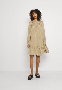 YAS - YASROTILLA DRESS ICON - Kjole - chinchilla