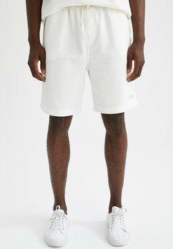 DeFacto - RELAX FIT - Pantalones deportivos - white