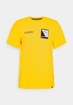 The North Face - STEEP TECH LOGO TEE UNISEX  - Print T-shirt - lightning yellow