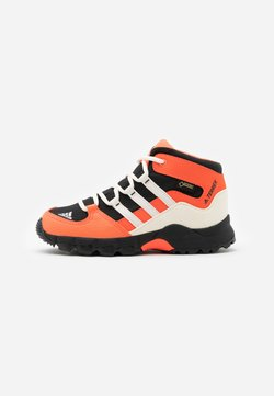 adidas Performance - TERREX RELAXED SPORTY GORETEX MID SHOES - Hikingschuh - core black/core white/solar red
