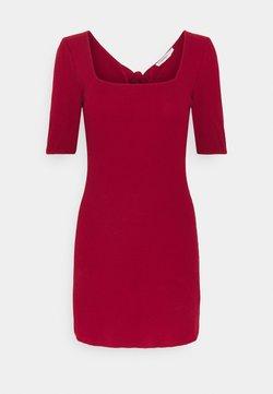 Glamorous Petite - MINI DRESS WITH SQUARE NECKLINE  - Sukienka letnia - red