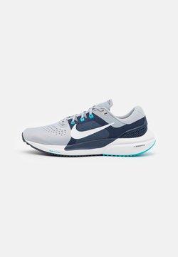 Nike Performance - AIR ZOOM VOMERO 15 - Scarpe running neutre - wolf grey/white/midnight navy/chlorine blue