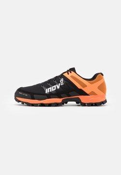 Inov-8 - MUDCLAW 300  - Zapatillas de trail running - black/orange