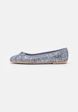Pretty Ballerinas - Ballerinat - univers light blue